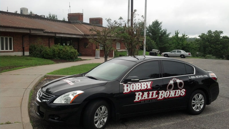 Bobby Bail Bonds provides 24-hour service to Litchfield, call 1-800-266-3190