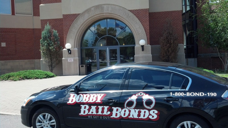 Bobby Bail Bonds offers 24-hour service to East Hartford, call 1-800-266-3190